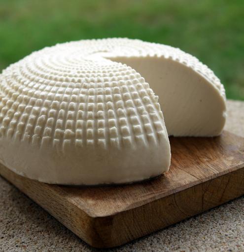 Loïc de Saleneuve and his delicious cheeses